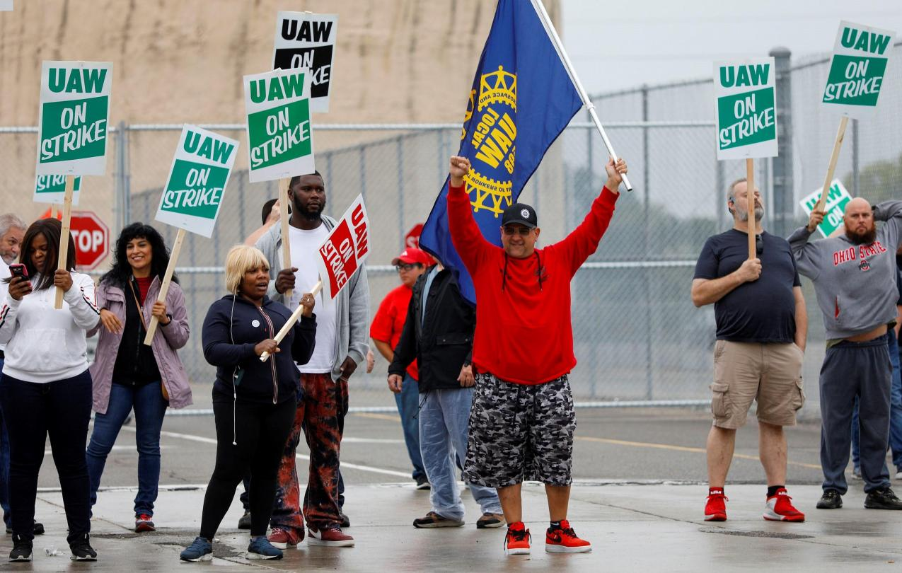 UAW Protestors with strike signs